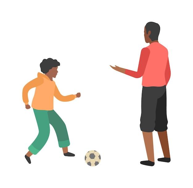 소년과 아버지는 축구를 합니다. 어린 아빠와 노는 아들, 행복한 가족 훈련 야외 스포츠 활동
