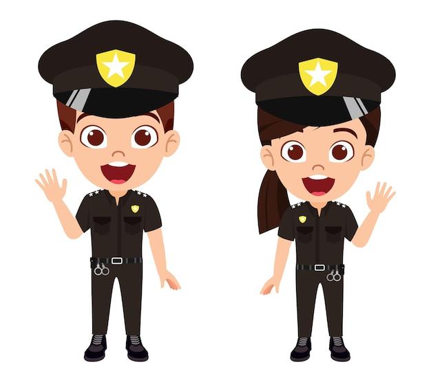 キャップ付きの警察の衣装を着ている男の子と女の子のキャラクター