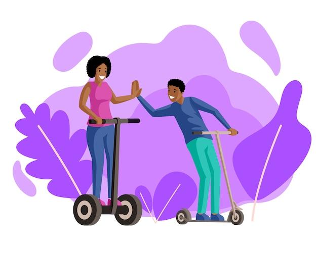 Иллюстрация самокатов катания мальчика и девушки плоская. друзья, влюбленная пара, улыбающиеся молодые люди на электрических и ударных скутерах героев мультфильмов. прогулки, отдых, активный отдых вместе