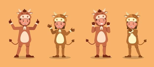 Мальчик и девочка в костюмах коровы. представление в различных действиях с эмоциями.