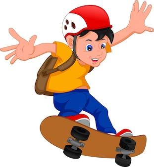 Мальчик играет на скейтборде