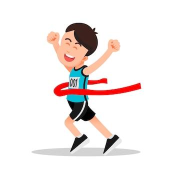 少年はマラソンランニング大会でフィニッシュラインにたどり着きました