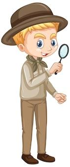 Мальчик с увеличительным стеклом на изолированном фоне