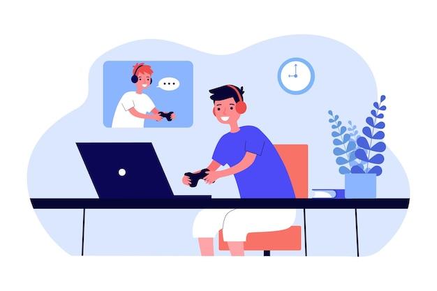 네트워크 게임 평면 벡터 일러스트 레이 션을 재생 하는 소년. 노트북 앞에 컨트롤러가 있는 헤드폰을 끼고 즐거운 시간을 보내는 아이들. 컴퓨터 게임, 우정, 재미, 디자인을 위한 취미 개념, 방문 페이지