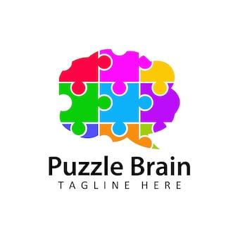 孤立した背景の脳パズルロゴテンプレートデザインベクトル。慈善団体、医療またはウェルネスセンターの自閉症意識の概念のロゴ。