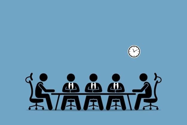 Мозговой штурм и обсуждение среди бизнесменов. заседание совета директоров с руководством компании.