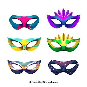 Collezione di maschere di carnevale brasiliano di sei