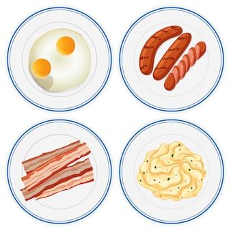 네 접시에 아침 식사 세트