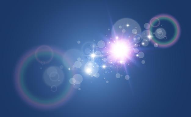 Яркая красивая звезда. векторная иллюстрация светового эффекта на прозрачном фоне.