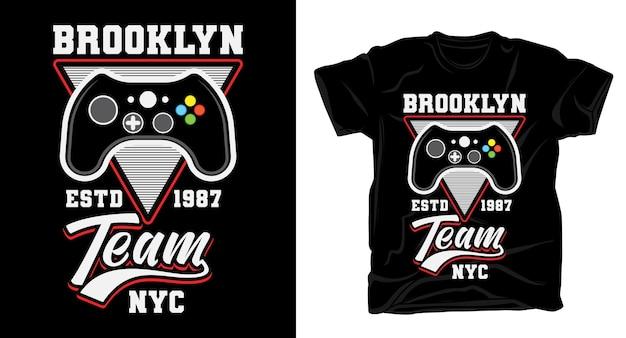 Типографика команды brooklyn с дизайном футболки с игровым контроллером