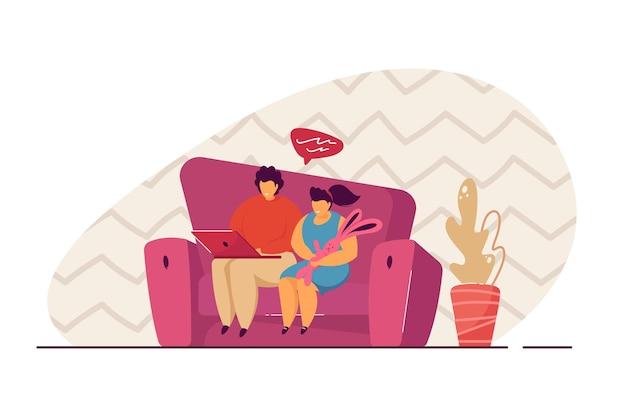 Брат и сестра, сидя на диване и используя ноутбук. плоские векторные иллюстрации. мальчик и девочка, видео-чат с семьей. современная технологическая концепция для баннера, веб-дизайна или целевой веб-страницы