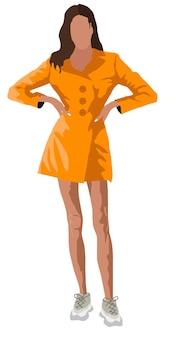 Загорелая брюнетка женщина, одетая в оранжевое пальто и белые кроссовки.