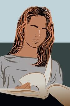 Брюнетка женщина, одетая в серую футболку, читает книгу с серьезным выражением лица