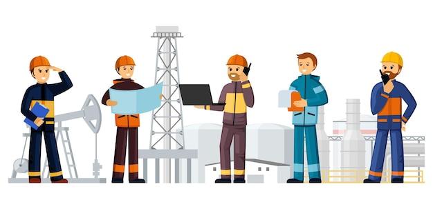 석유 공장 그림의 빌더 건설 현장입니다. 헬멧과 유니폼을 입은 사람들이 가솔린 생산을 개발하고 건축 자재 엔지니어링과 감독관을 주문합니다. 벡터 만화입니다.