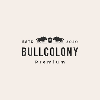 Bull coat of arms hipster vintage logo icon illustration