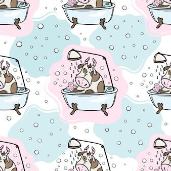 Бык принимает ванну и душ. симпатичные животные рука нарисованные бесшовный фон