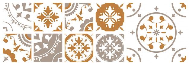 さまざまな伝統的な東洋の花柄の装飾的な正方形のセラミックタイルの束。茶色と白の色で地中海の装飾的な装飾品のセット。ビンテージスタイルのイラスト。