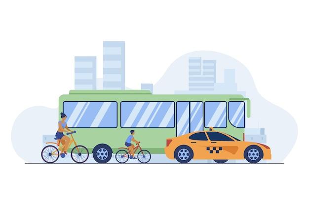 市内道路を運転するバス、タクシー、サイクリスト。輸送、自転車、車フラットベクトルイラスト。交通と都会のライフスタイル