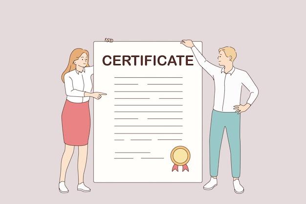 ビジネス証明書と開発コンセプト。手に公式スタンプと巨大な証明書を保持して立っている若い笑顔のパートナーの女性と男性の漫画のキャラクターベクトルイラスト