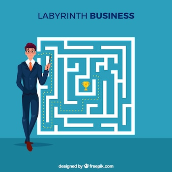 Бизнес-концепция с лабиринтом и бизнесменом