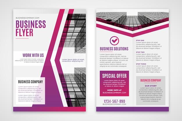 グラデーションバイオレットの建物とビジネスのチラシ