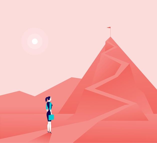 산의 정상에 서서 위에 보는 비즈니스 아가씨. 새로운 목표와 목표, 목적, 성과 및 포부