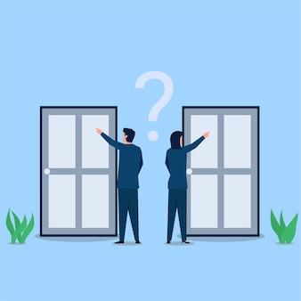 ビジネスの男性と女性はドアを選ぶのを混乱させます。