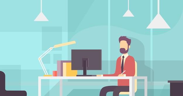 ビジネスマン、座っている、机、働く、デスクトップ、コンピュータ