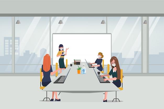 비즈니스 사무실 사람들은 회의실에서 사회적 거리를 유지합니다. covid-19 코로나 바이러스를 중지하십시오.