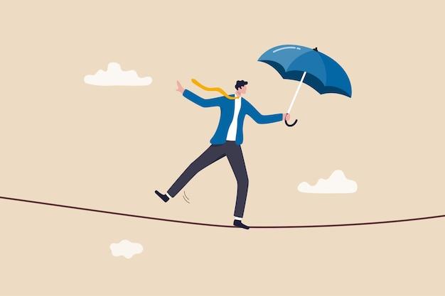 비즈니스 또는 투자 위험 보호, 도전, 위험 및 어려움을 극복하여 작업 및 경력 개념의 성공, 자신감 있는 용감한 사업가 로프워커 평형 워킹.