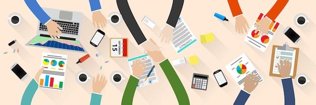Рукопожатие делового партнера