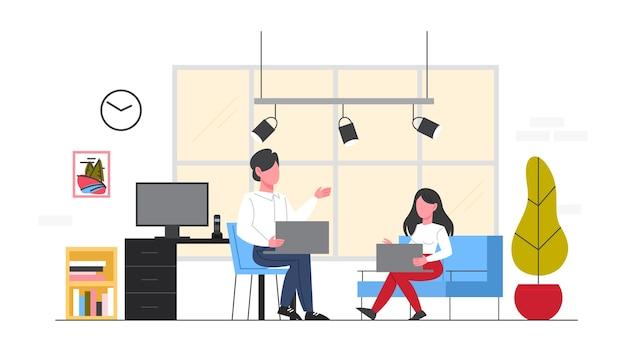 職場のビジネスマン。女と男が椅子に座って、オフィスのデスクでコンピューターに取り組んでいます。オフィスのインテリア。図