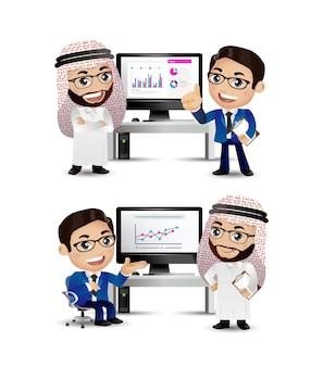 사무실 책상에서 전략을 논의하는 기업들