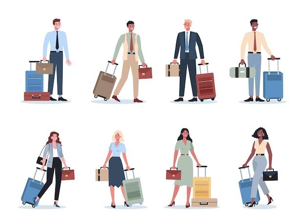 出張セットを持っているビジネスマン。スーツケースを持って歩き、電話で話している女性と男性のキャラクター。出張中の従業員が荷物を持って旅行します。