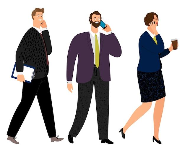 Деловые люди с телефонами. офисные мужчины и женщины ходят и общаются по изолированным телефонам