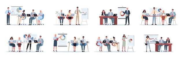 Деловые люди делают презентацию перед группой сотрудников. представление бизнес-плана на семинаре. указывая на график.