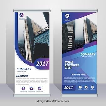 Бизнес свертывается с формами в синих и фиолетовых тонах