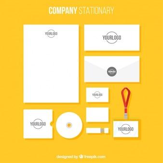 シンプルなスタイルで設定されたビジネス文具