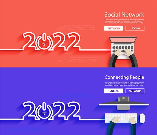 ビジネステクノロジークリエイティブ2022年新年のアイデアのコンセプトデザインを起動します。ラップトップコンピューターのpcで作業しているビジネスマン、上からの上面図ベクトル図
