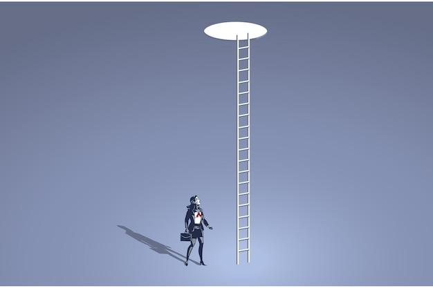 Деловая женщина смотрит на отверстие с длинной лестницей у небесно-голубого воротника