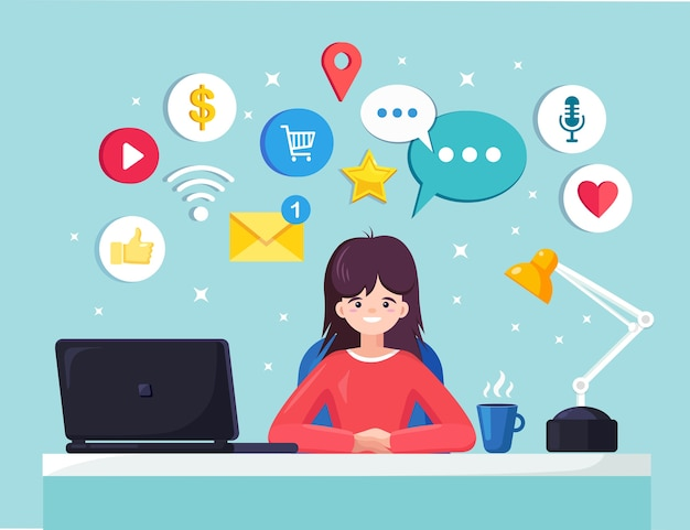 Деловая женщина, работающая за столом с социальной сетью, значок средств массовой информации. менеджер сидит на стуле, болтает. интерьер офиса с ноутбуком, документами, кофе. рабочее место рабочего, служащего.