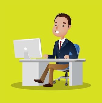 Бизнесмен персонаж работает на портативном компьютере за офисным столом