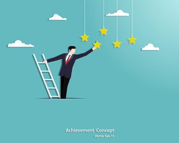 雲の上の階段のはしごを登ると星に手を伸ばす実業家