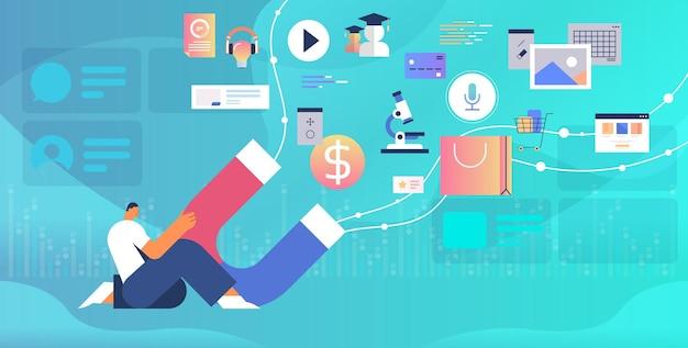 Бизнесмен держит большой магнит рекламная кампания концепция маркетинга в социальных сетях горизонтальная векторная иллюстрация