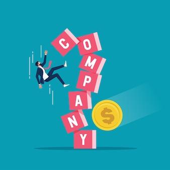 Бизнесмен-инвестор, падающий из блока стека с воздействием слова компании на денежную монету