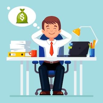 ビジネスマンはリラックスしてお金のスタックを夢見ています