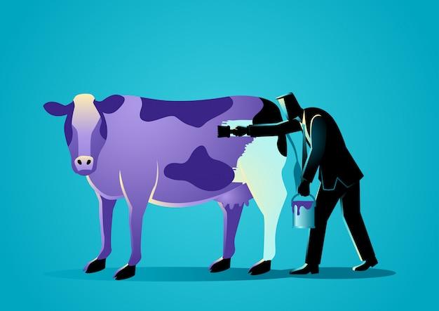 紫のペンキで牛を描くビジネスマン