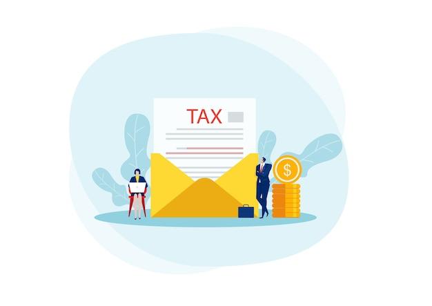 Бизнесмен получает письмо с налогом, официальные правительственные документы, полученные по почте.