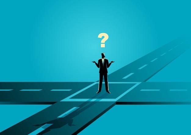 Бизнесмен стоял на перекрестке или перекрестке