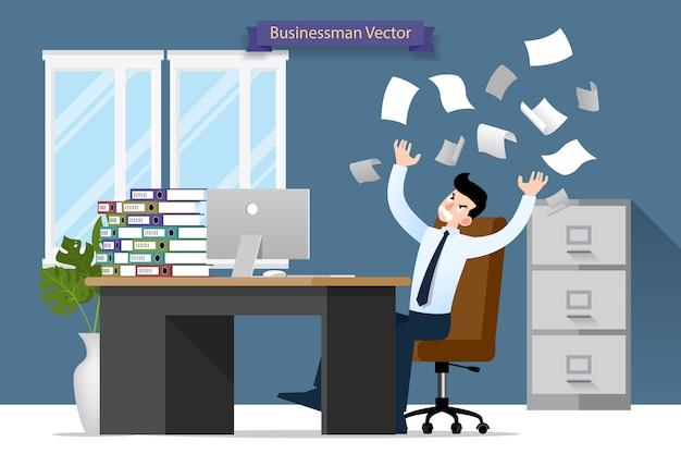 Бизнесмен бросать стопку бумаги в офисе.